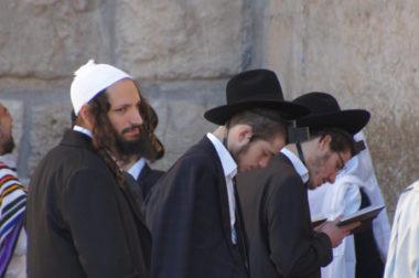 Savoir vivre w synagodze