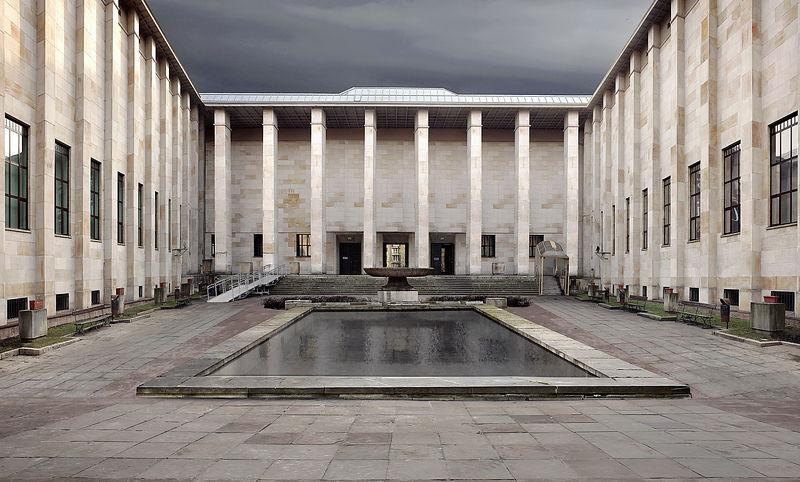 Budynek Muzeum Narodowego w Warszawie.