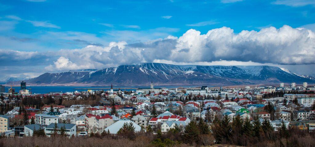 panoramiczny widok na Reykjavik stolicę Islandii